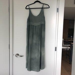 Aritzia's Wilfred Silk Dress Size Small